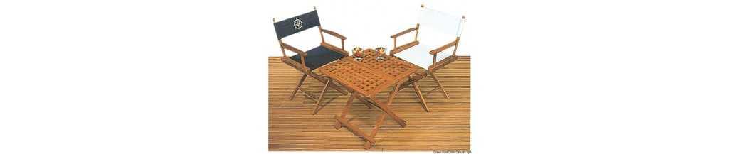 Tables et sièges en teck